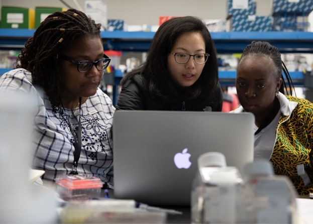 October 4, 2018 | Carly Cheung, scientist at the Chan Zuckerberg Biohub in San Francisco, shows Sandra Chipuka and Ernestine Dada Johnson, TechWomen's Emerging Leaders, tools used in the BSL-1 lab.